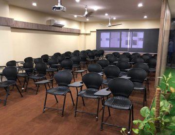 campus-tour-dha-03-Classroom 101 - 2